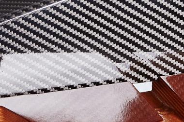 Materialauswahl - Von Carbon bis Eichenholz