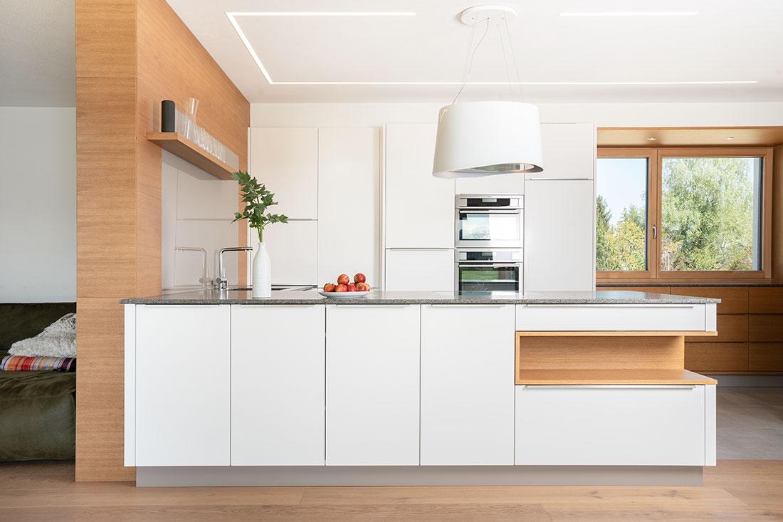 Moderne Kücheneinrichtung gefertigt vom Tischler in Kirchham